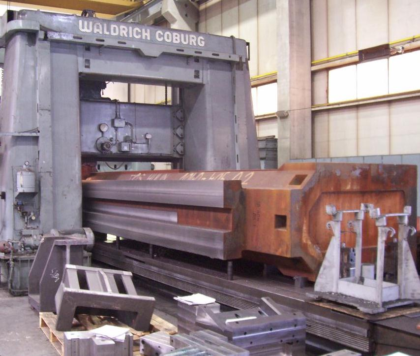 "Gantry-milling of large castings and welding parts on ""Waldrich Coburg"" with 8m table"