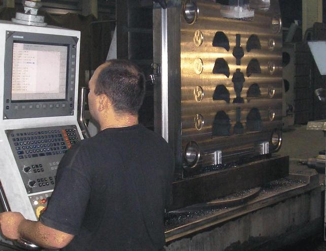 """5-axis CNC-milling of large parts on 3 CNC-boring mills """"Union"""" and """"Schiess"""""""
