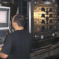 """5-Achs CNC-Fräsen von Großteilen auf 3 CNC-Bohrwerken """"Union"""" und """"Schiess"""""""