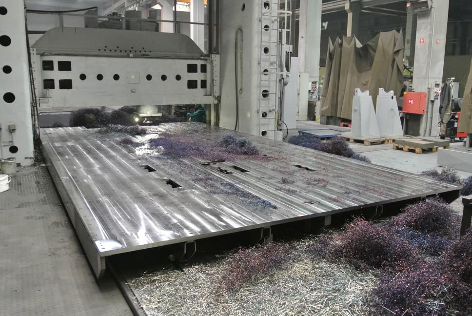 """Portal-Fräsen von kompletten Maschinen bis 5m Breite und 14m Länge auf """"Ingersoll"""", 300 Tonnen Tisch-Belastung"""